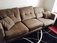 Nice looking Sofa Suite 4 seater and 1 seater £55