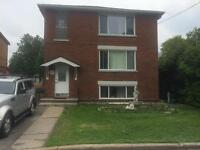 One Bedroom for couple or Friends  !!! Downtown !! Sept any days