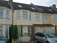 Larger then average 4 bedroom 1st & 2nd floor flat close to Kensal Green Station