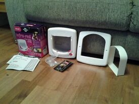 for sale staywell infa red cat flap boxed dont worry about the wrong cat coming in.