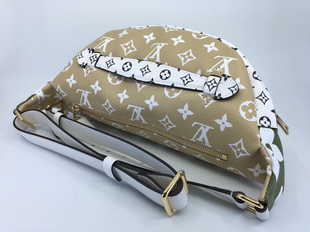61155f652efe New Authentic Louis Vuitton Giant Monogram Bumbag Khaki