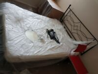Excellent con 2 double beds with headboard