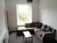 LOVELY SPACIOUS BRIGHT CITY CENTRE HMO FLAT: 3 double bedrooms, open plan kitchen/living LEITH