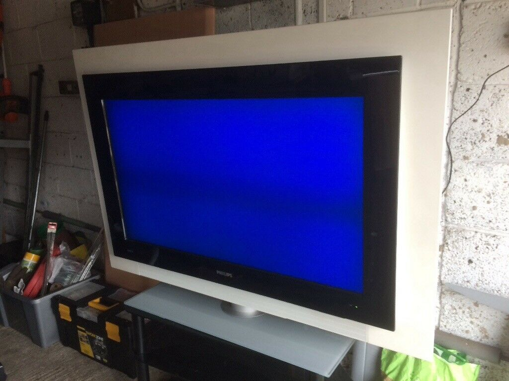 Philips Cineos widescreen flat TV 42PF9831D/10