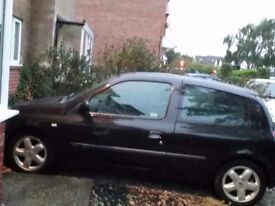 Mot and service clean inside and outside good condition for year open to offers 550 ono.