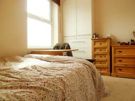 Great 1 Bed Flat Perfect For A Couple Or Single Professional Mins Earlsfield Station - Avail 1st May