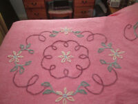 BEAUTIFUL VINTAGE PINK DOUBLE CANDLEWICK BED SPREAD COVER OR AS SOFA THROW