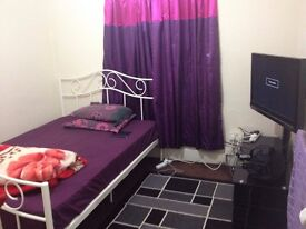Specious Double rooms to rent near Watford Highstreet Station & intu shopping center.