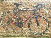 Giant Content SL men's road bike Size M\L | With helmet and accessories