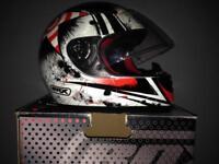 MOTORCYCLE HELMET. BOX FULL FACE HELMET AS NEW