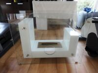 White Freestanding Bioethanol Fireplace