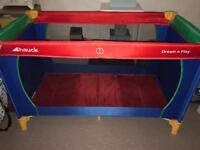 Hauck cot bed/playpen