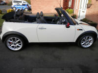 MINI COOPER CONVERTIBLE 2006 SHOWING 98000 MILES MOT JUNE 2018 LEATHER SEATS DRIVES SUPERB ANY INSP