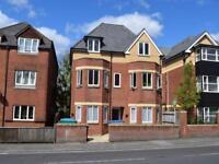 2 bedroom flat in 85 Bullar Road, Bitterne Park, Southampton