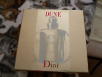 DUNE BY DIOR - GIFT BOX SET OF EAU DE PERFUME AND PERFUMED BODY MOISURIZER .