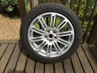 Land Rover Discovery 4 20 inch Alloy Wheel and Tyre
