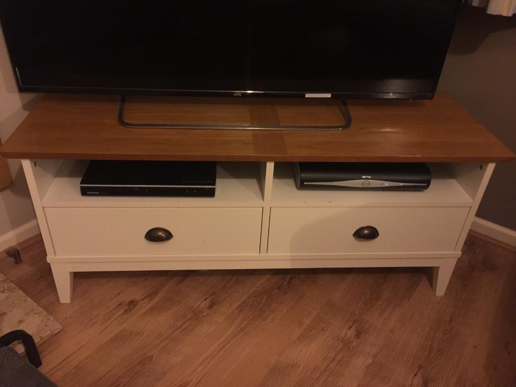 Cream & Oak Tv unit