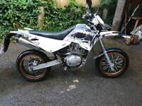 Sinnis blade supermoto! 125 ccm Learn legal. Fast and loud! 2015