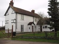 ROOM TO LET IN LOVELY OLD FARMHOUSE 15 ACRES WITH STABLES COURTYARD,JACUZZI, GYM VERY PEACEFUL!