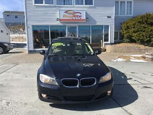 2009 BMW 3 Series 323i Heated seats and wheel!