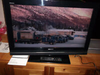 32inch Sony Bravia FULL HD LCD Television with FreeSat & FreeView Tuners / TV KDL-32W5810