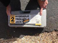 Halfords hydraulic trolley jack