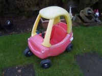 LITTLE TIKES COSY COUPE CAR .