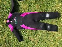 Girls wetsuit age 3-4