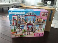 Playmobil 5485 City Life Shopping Centre. RRP £129.99 - NEW BOXED.