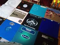 DJ @ solid metal case & approx 100x records dj vinyls, dance, oldskool, trance and more , top tunes