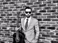 Singer/Guitarist available for gigs and projects