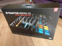 Traktor Kontrol S5 all in one DJ system