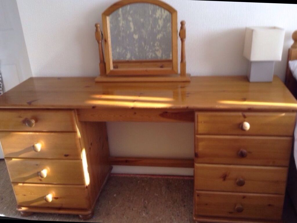 Double Pedestal Dressing Table 16345 in Widnes Cheshire  : 86 from www.gumtree.com size 1024 x 768 jpeg 67kB