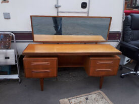 G-PLAN DRESSING TABLE WITH LARGE MIRROR VINTAGE RETRO KITSCH IN YEOVIL