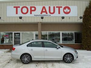2014 Volkswagen Jetta 1.8 TSI Highline LEATHER LOADED, REDUCED!