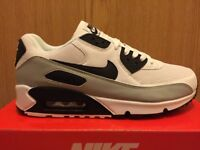 NIKE AIR MAX 90 TRAINERS BRAND NEW IN BOX - LOOK - BARGAIN!!