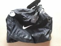 BRAND NEW NIKE SPORTS BAG WITH TAGS