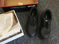 Arco safety shoes, size 7. Never worn