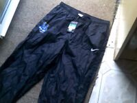 EVERTON FC / NIKE WATERPROOF SPORTS TROUSERS SIZE XL BRAND NEW WITH TAGS ON