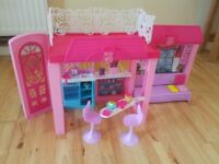 Barbie Glam Vacation House with Barbie dolls