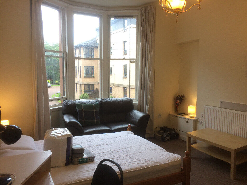 WEST END SPACIOUS 4 BEDROOM HMO FLAT - AVAILABLE 10 ...