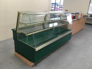 QBD 90 Refrigerated Curved Display Case