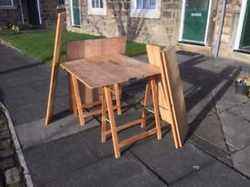 Work table (2 tops), 2 trestles and extra wood