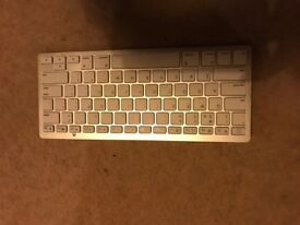 Wireless Bluetooth Compact Slim Keyboard in White Compatible with Apple Windows