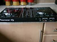 Pioneer DDJ-RB controller in perfect condition hardly been used with rekord box serial no