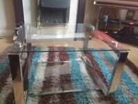 glass coffee table like New for quick sale 40