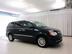 2016 Chrysler Town & Country FEAST YOUR EYES ON THIS BEAUTY!! 7P