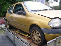"Breaking 1999 Renault Clio 1.2 RN Petrol Yellow Gold + Good 15"" Gold Alloys"