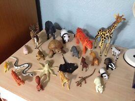 23 Animal Figures