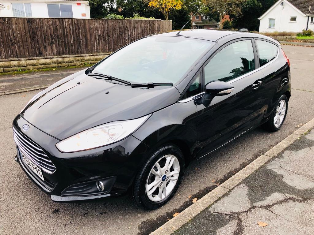 2015* ford fiesta 1.2 zetec 17,000 miles one owner from new low